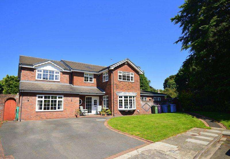 5 Bedrooms Detached House for sale in Chaloner Grove, Grassendale