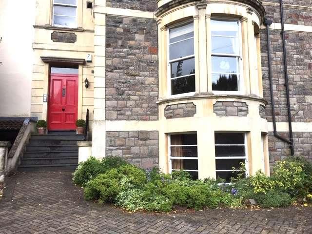 2 Bedrooms Flat for sale in Fernbank Road, Redland, Bristol BS6 6QA