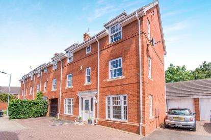 5 Bedrooms End Of Terrace House for sale in Ruther Close, Peterborough, Cambridgeshire