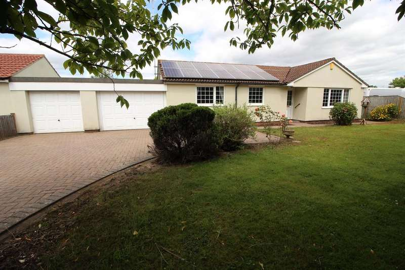 3 Bedrooms Detached Bungalow for sale in Badminton Road, Chipping Sodbury, Bristol, BS37 6LH