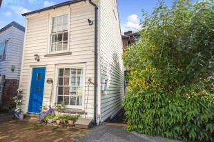 2 Bedrooms Detached House for sale in Printers Yard, Stone Street, Cranbrook, Kent