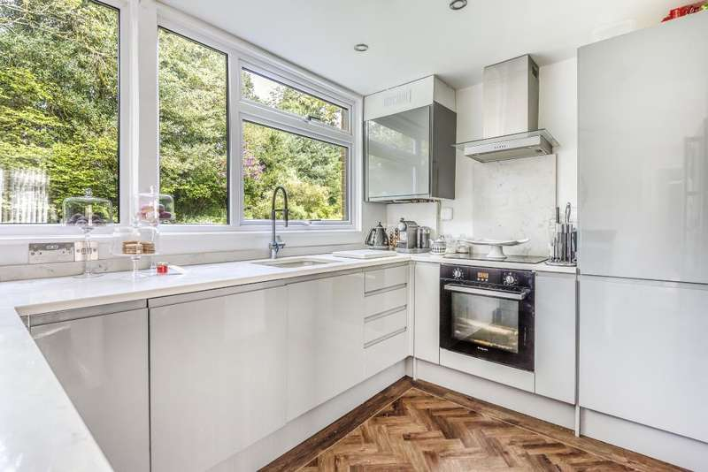 2 Bedrooms Flat for sale in Sunninghill, Berkshire, SL5