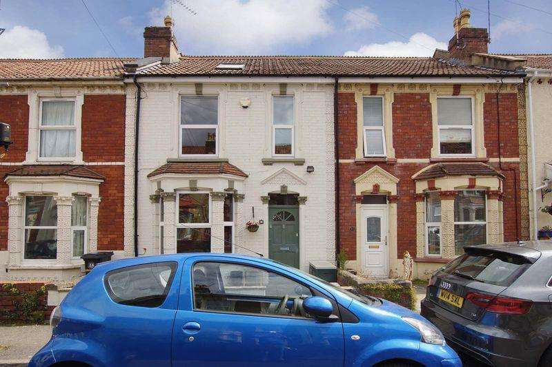 3 Bedrooms Terraced House for sale in Lynton Place, Bristol, BS5 9EE