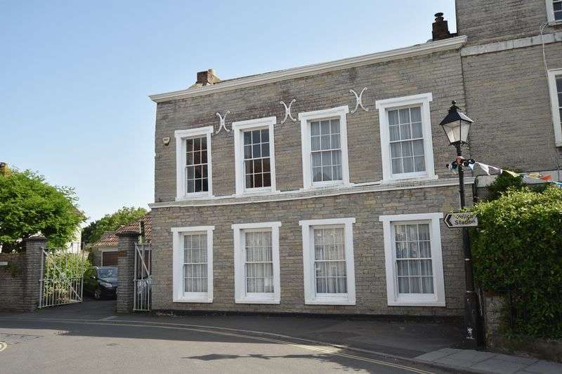 5 Bedrooms Property for sale in Market Place, Somerton