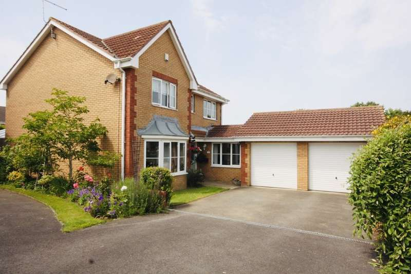 4 Bedrooms Detached House for sale in Woodale Close, Guisborough, TS14