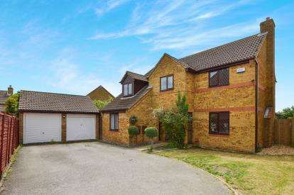 4 Bedrooms Detached House for sale in Cartmel Close, Bletchley, Milton Keynes, Buckinghamshire