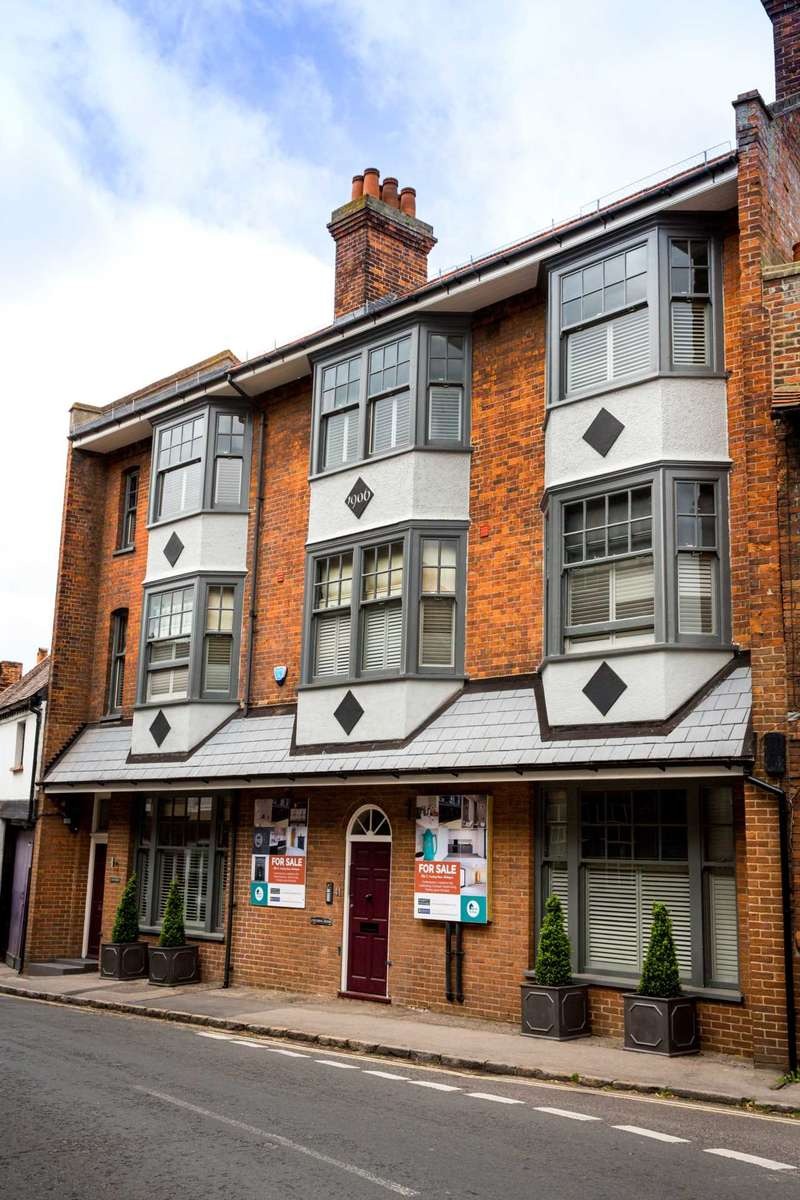 2 Bedrooms Apartment Flat for sale in Couching House, Watlington