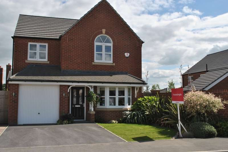 4 Bedrooms Detached House for sale in Whatcroft Way, Middlewich, Cheshire, CW10