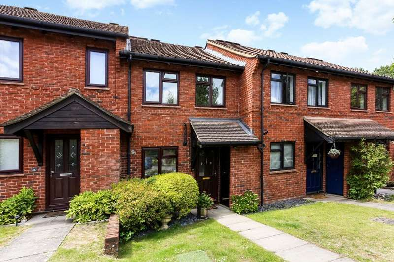 2 Bedrooms Terraced House for sale in Porchester, Ascot