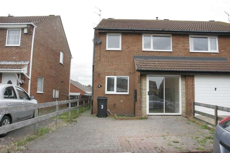 3 Bedrooms Semi Detached House for sale in Manor View, Newbiggin-by-the-Sea, NE64