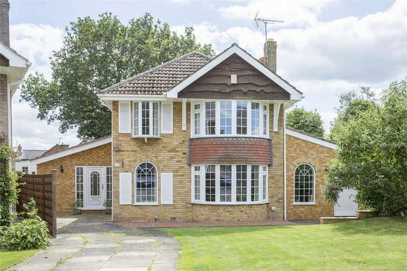 5 Bedrooms Detached House for sale in 36 The Manor Beeches, Dunnington, York, North Yorkshire