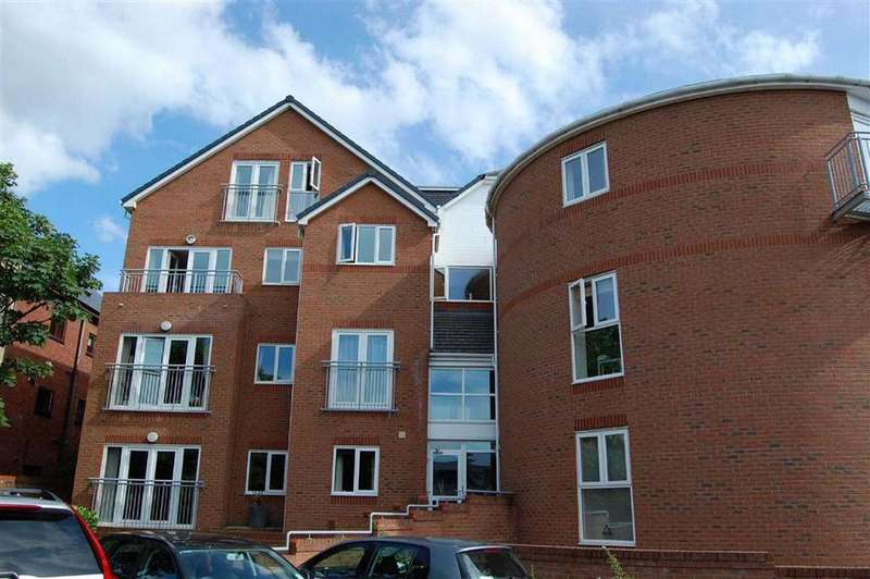 2 Bedrooms Flat for rent in Blundellsands Road West, Liverpool