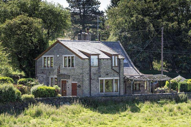 4 Bedrooms Detached House for sale in Hazelbrook Cottage, Lane Ends Lane, Hebden Bridge HX7 8TN