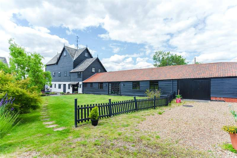 4 Bedrooms Detached House for sale in Wheelers Lane, Pilgrims Hatch, Brentwood, Essex