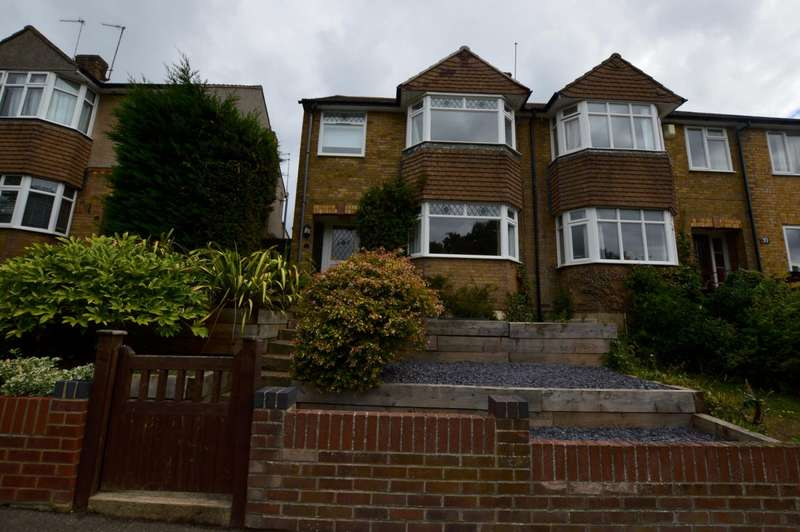 4 Bedrooms Semi Detached House for rent in Shakespeare Road, Colchester