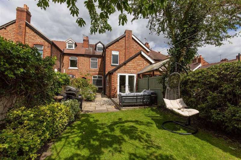 3 Bedrooms Town House for sale in Crewe Road, Nantwich, Cheshire