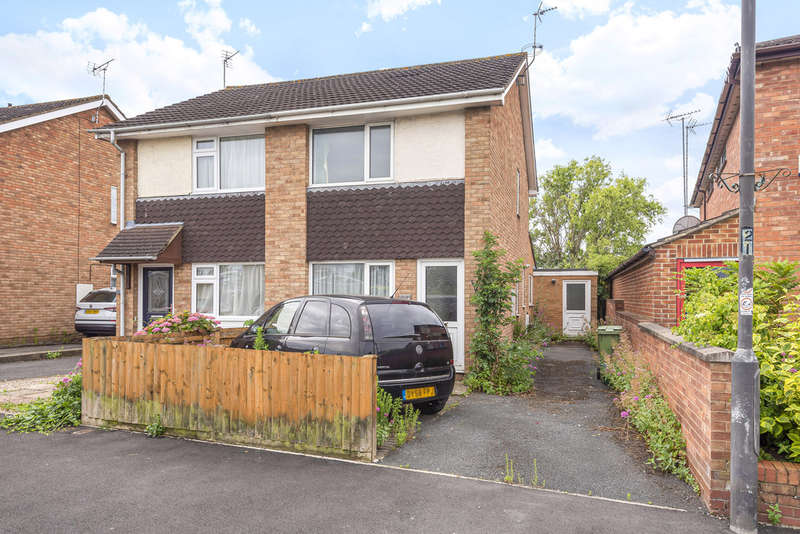 3 Bedrooms Semi Detached House for sale in Warden Hill, Cheltenham