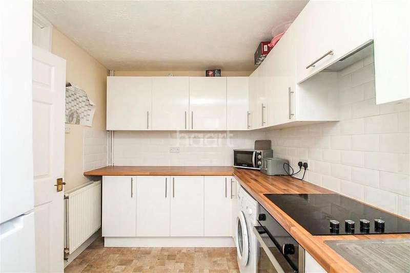 4 Bedrooms Terraced House for rent in Rushbrook Road, Woodley, RG5 3DN