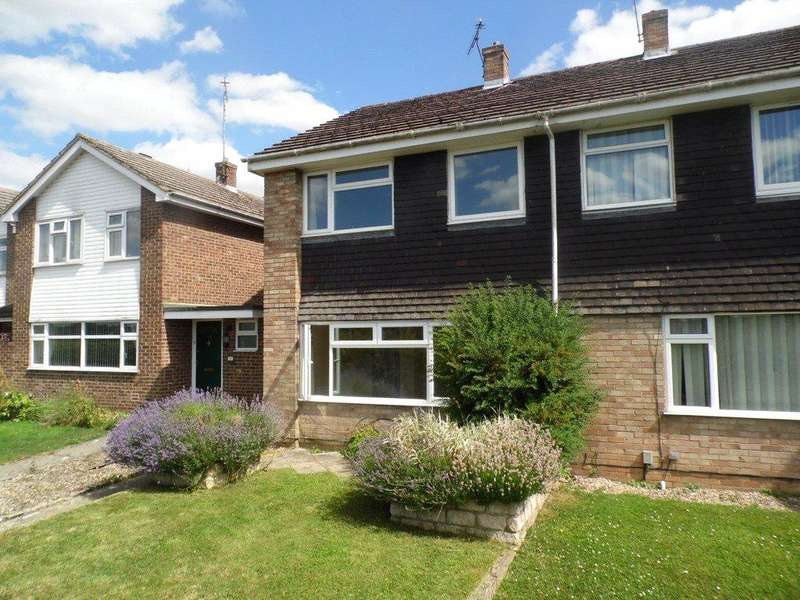 3 Bedrooms Semi Detached House for rent in Farmers Close, Witney, Oxfordshire, OX28