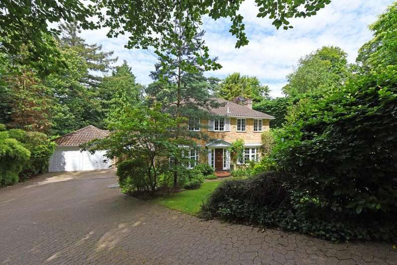 5 Bedrooms Detached House for sale in Victoria Hill Road, Fleet
