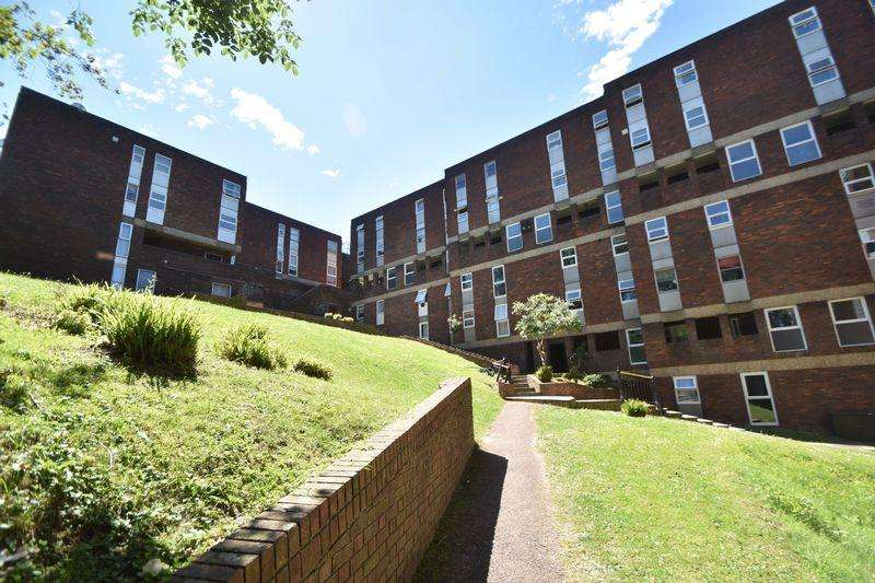 2 Bedrooms Apartment Flat for sale in Downs Road, Luton