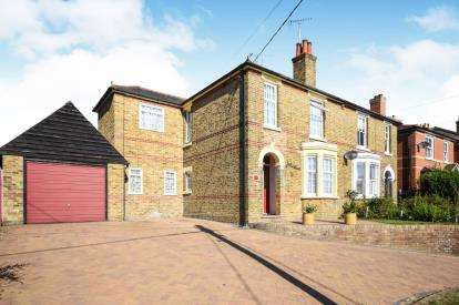 4 Bedrooms Semi Detached House for sale in Witham, Essex