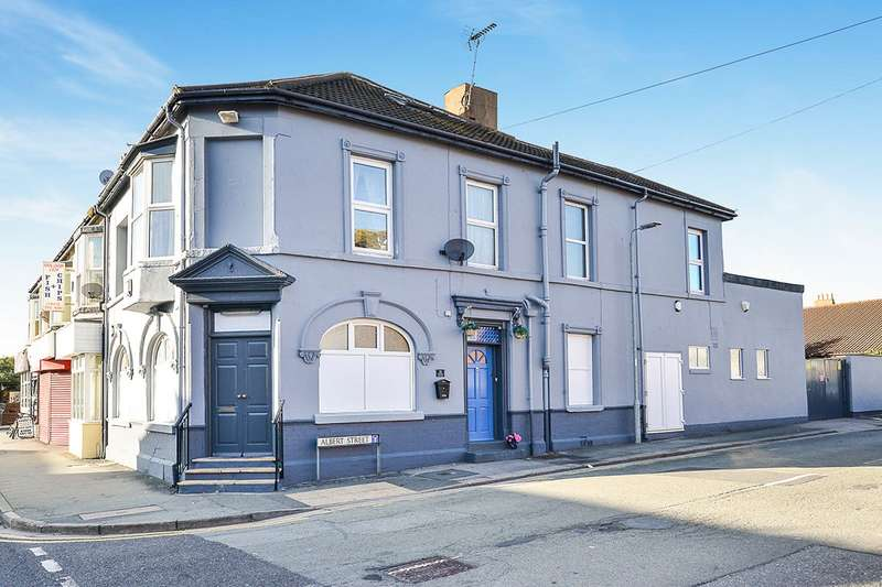5 Bedrooms House for sale in Vale Road, Rhyl, Clwyd, LL18