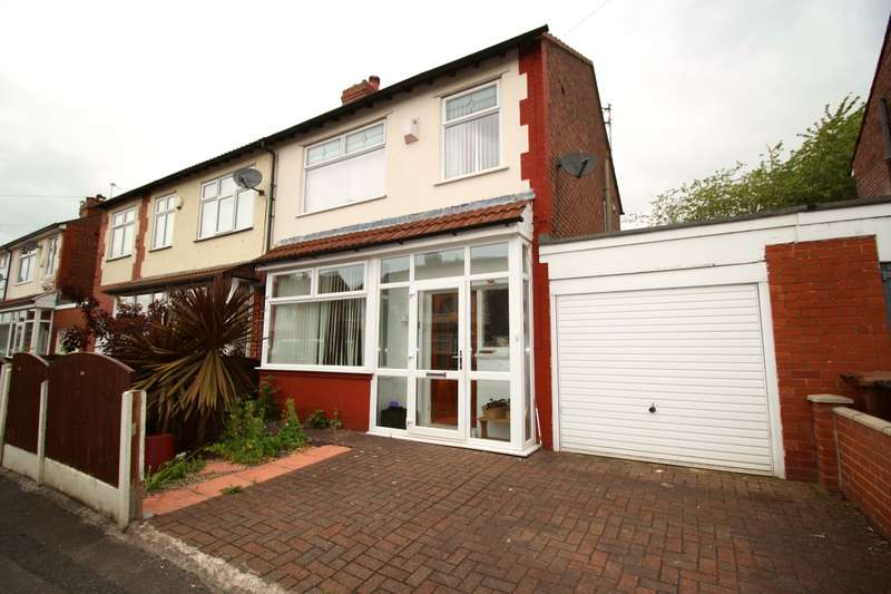 3 Bedrooms Semi Detached House for sale in Woodhall Road, Reddish, Stockport, Cheshire, SK5