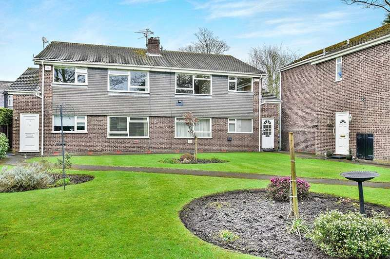 2 Bedrooms Apartment Flat for sale in Wellington Road, Timperley, Altrincham, Greater Manchester, WA15