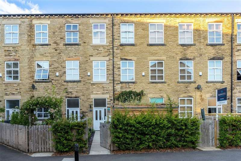 4 Bedrooms Town House for sale in Brunswick Place, Heckmondwike, West Yorkshire, WF16