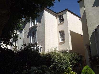 2 Bedrooms Flat for sale in Hampton Park, ., Bristol