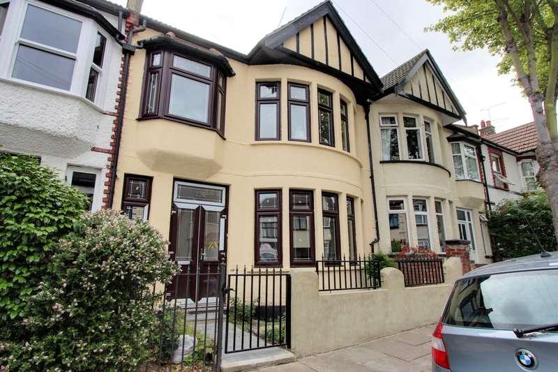 3 Bedrooms Terraced House for sale in Silverdale Avenue, Westcliff On Sea