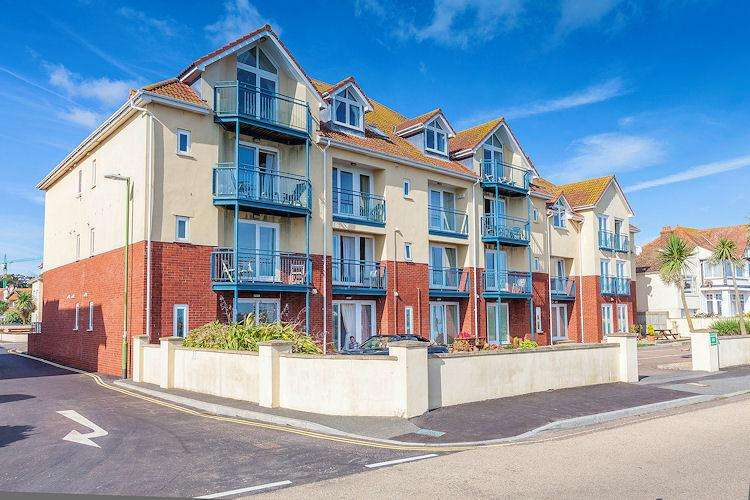 2 Bedrooms Apartment Flat for rent in 37 Marine Drive, Paignton TQ3