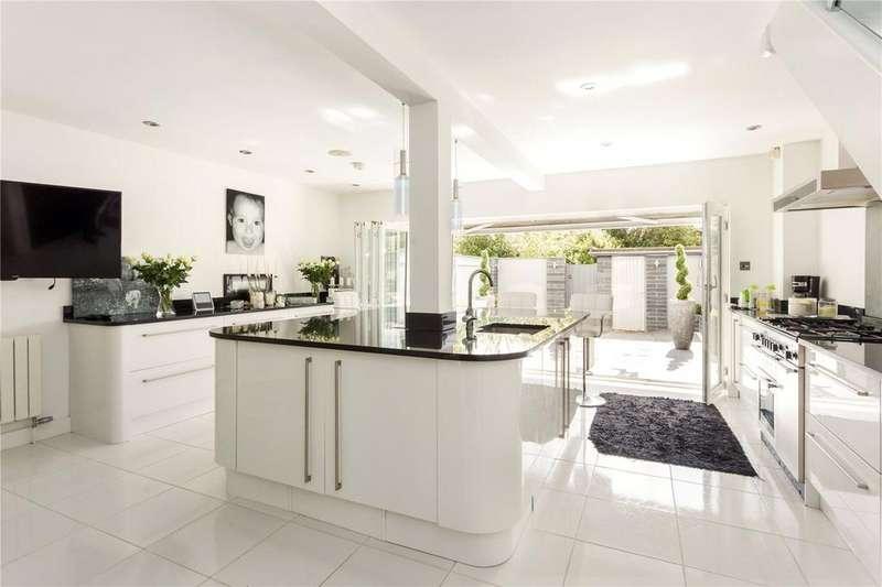 3 Bedrooms Terraced House for sale in Tudor Lodge, 17 The Park, Cheltenham, Gloucestershire, GL50