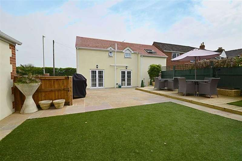 4 Bedrooms Semi Detached House for sale in Cheltenham Road East, Churchdown