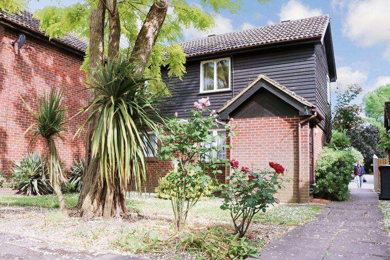 1 Bedroom Flat for sale in Colnbrook