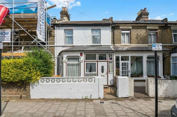 3 Bedrooms Terraced House for sale in Claude Road, Plaistow, London
