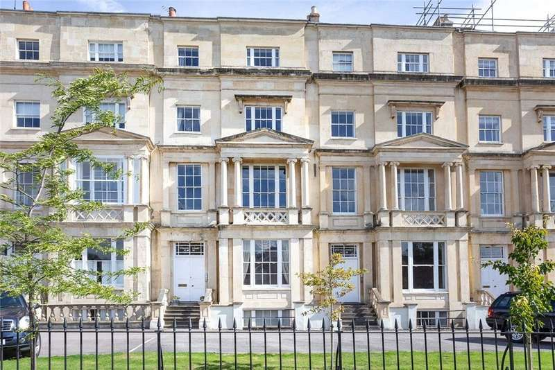 3 Bedrooms Apartment Flat for sale in 18 Evelyn Court