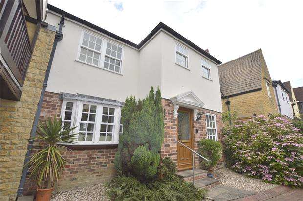 2 Bedrooms Terraced House for sale in Southam Road, Prestbury, CHELTENHAM, Gloucestershire, GL52 3NQ