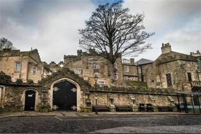 3 Bedrooms Flat for rent in The Castle, Stanhope