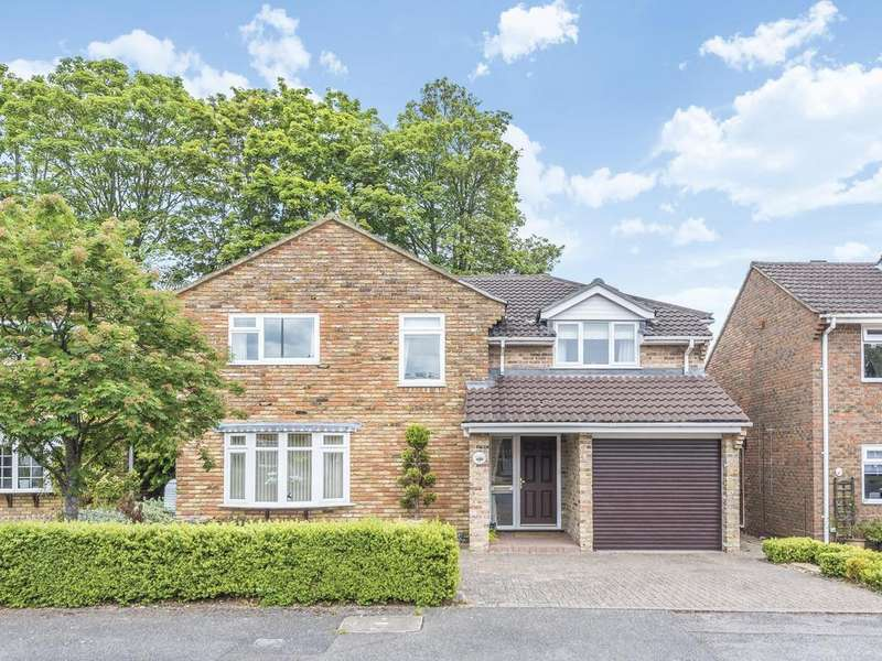 4 Bedrooms Detached House for sale in Addiscombe Chase, Tilehurst, Reading, RG31