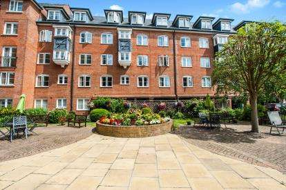 2 Bedrooms Retirement Property for sale in Castlemead Court, 143 Westgate Street, Gloucester, Gloucestershire