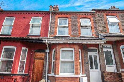 3 Bedrooms Terraced House for sale in Ivy Road, Luton, Bedfordshire, .