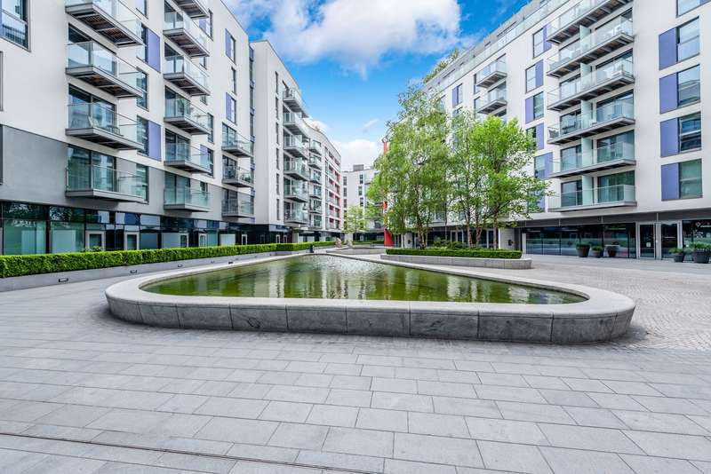 2 Bedrooms Apartment Flat for sale in Saffron Central Square, Croydon, CR0