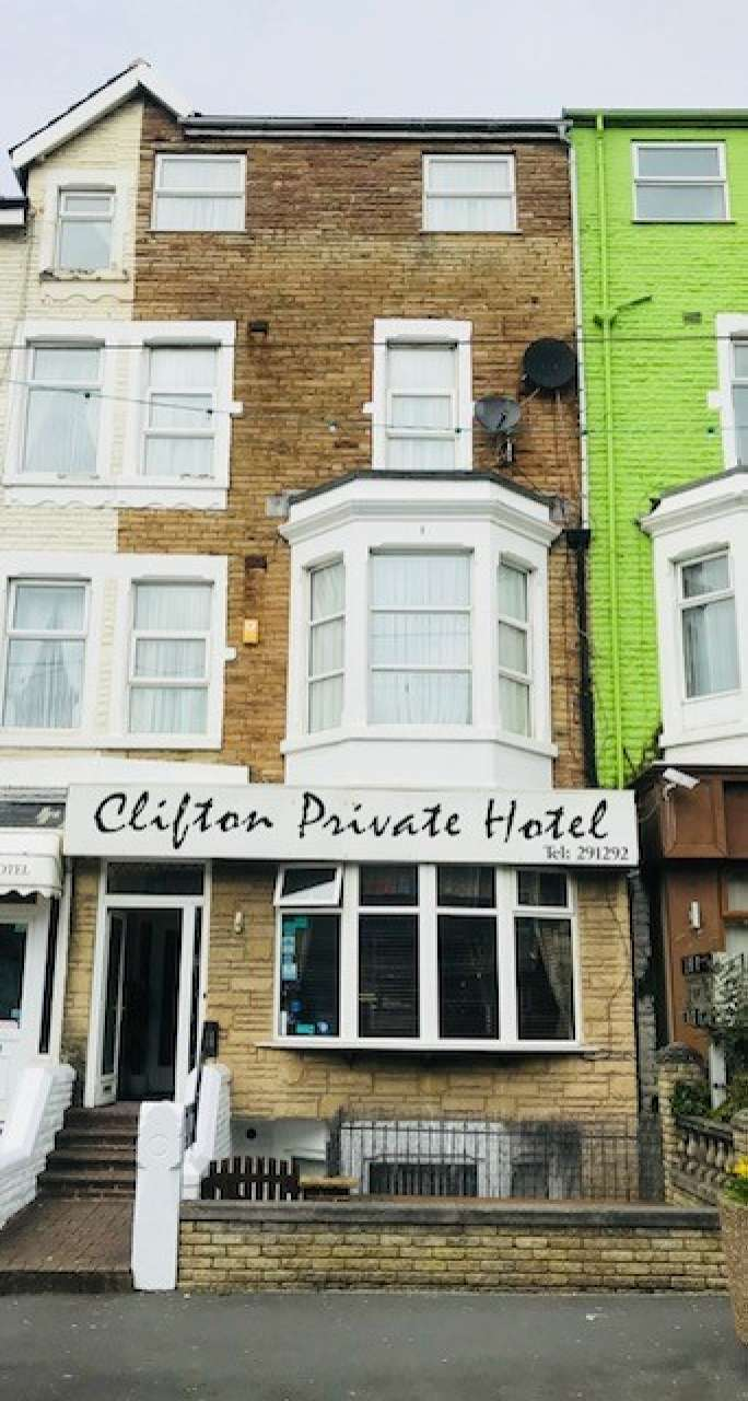 17 Bedrooms Hotel Gust House for sale in Charnley Road Central Blackpool