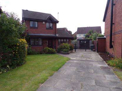 3 Bedrooms Detached House for sale in Avebury Close, Lowton, Warrington, Greater Manchester