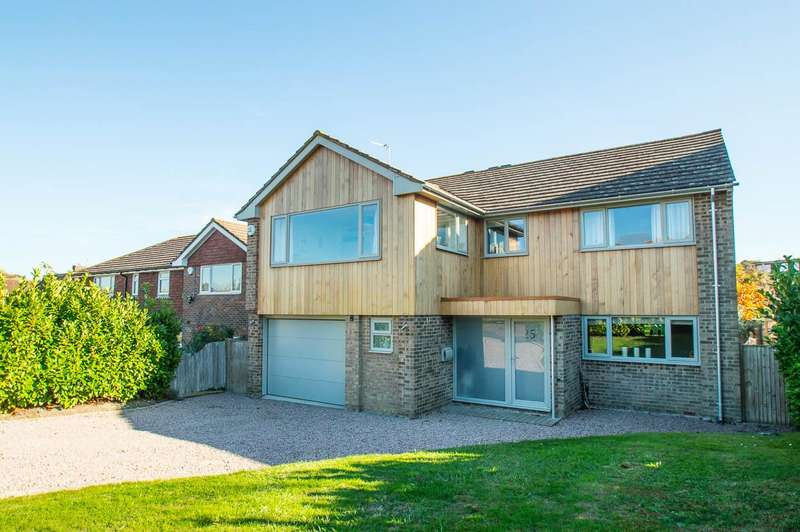 4 Bedrooms Detached House for sale in Old Camp Road, Eastbourne