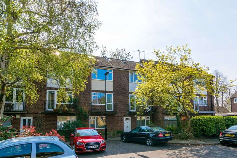2 Bedrooms Flat for sale in Coniston Close, Grove Park, W4
