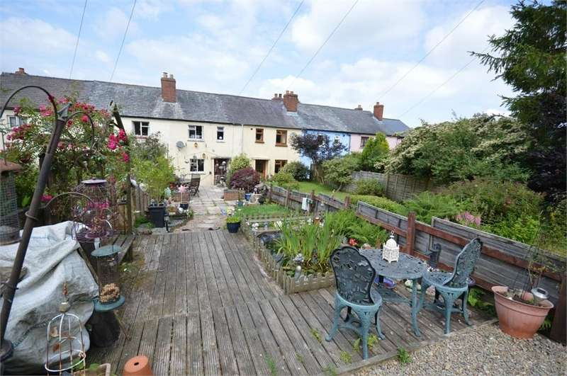 3 Bedrooms Terraced House for sale in 3 Brick Row, Llanfyrnach, Pembrokeshire