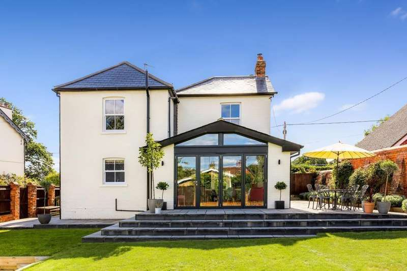 4 Bedrooms Detached House for sale in Mortimer, Reading, RG7
